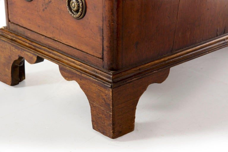 19th Century English Victorian Mahogany Leather Antique Pedestal Desk For Sale 8