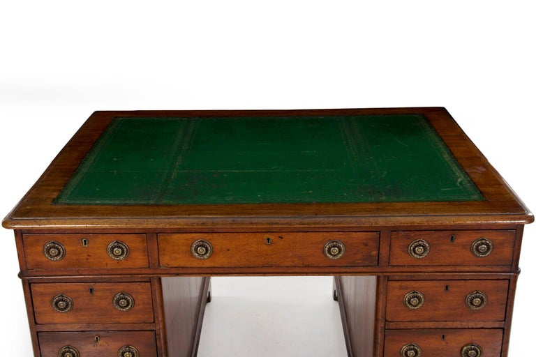 19th Century English Victorian Mahogany Leather Antique Pedestal Desk In Good Condition For Sale In Shippensburg, PA