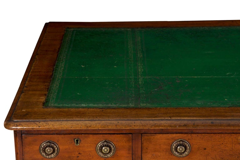19th Century English Victorian Mahogany Leather Antique Pedestal Desk For Sale 1