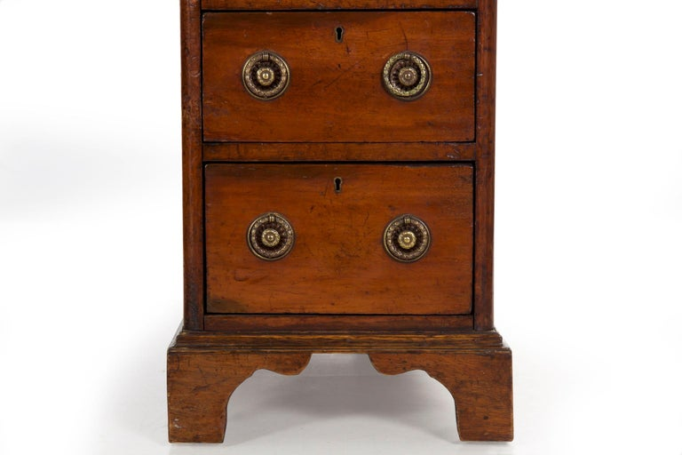 19th Century English Victorian Mahogany Leather Antique Pedestal Desk For Sale 3
