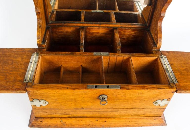 19th Century English Victorian Oak Three Crystal Decanter Tantalus  For Sale 10