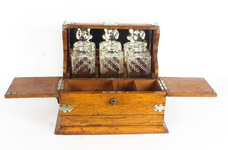 19th Century English Victorian Oak Three Crystal Decanter Tantalus  For Sale 3
