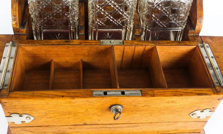 19th Century English Victorian Oak Three Crystal Decanter Tantalus  For Sale 4