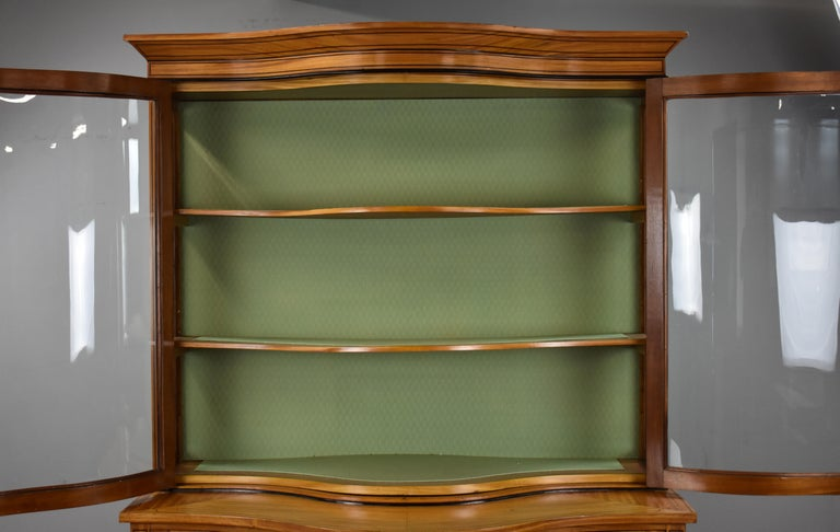 19th Century English Victorian Satinwood Display Cabinet For Sale 8