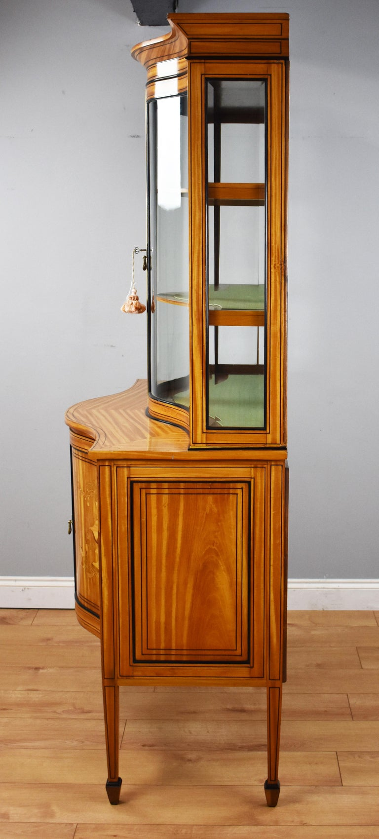 19th Century English Victorian Satinwood Display Cabinet For Sale 12