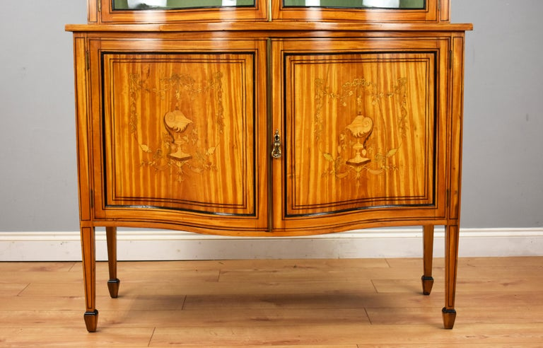 19th Century English Victorian Satinwood Display Cabinet For Sale 1