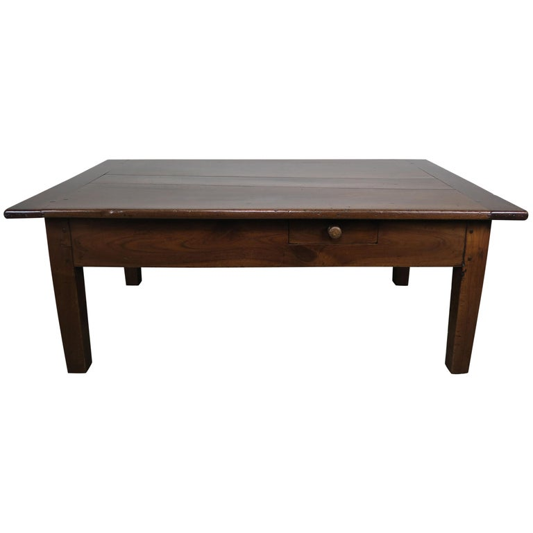 19th Century English Walnut Coffee Table With Drawers For