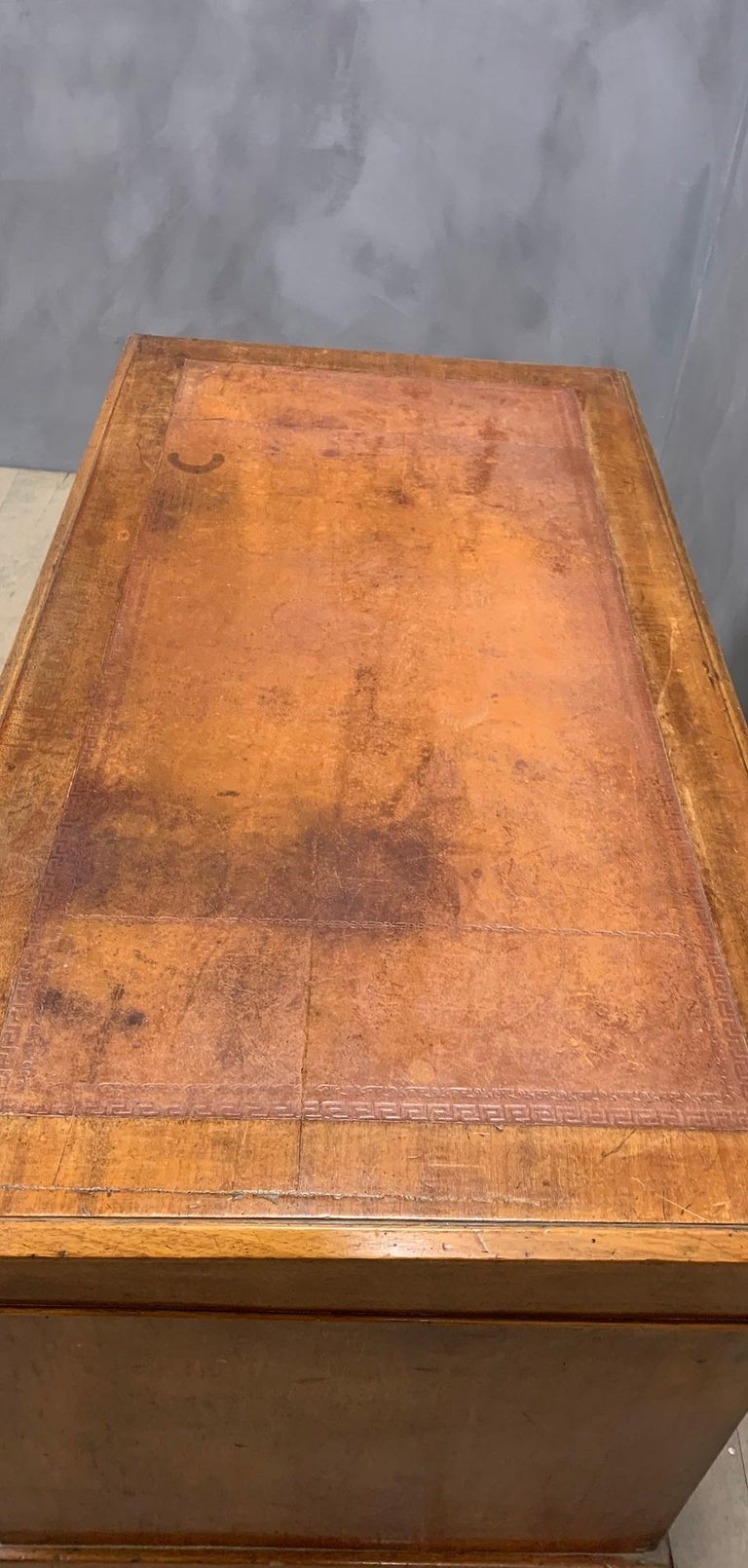 Hand-Crafted 19th Century English Walnut Desk For Sale