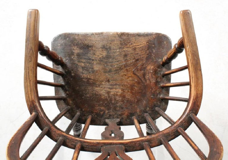 19th Century English Bow-Back Windsor Chair In Good Condition For Sale In Southampton, NY