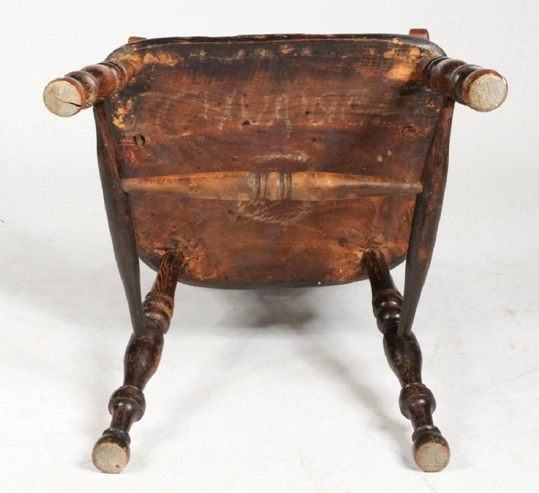 Yew 19th Century English Bow-Back Windsor Chair For Sale