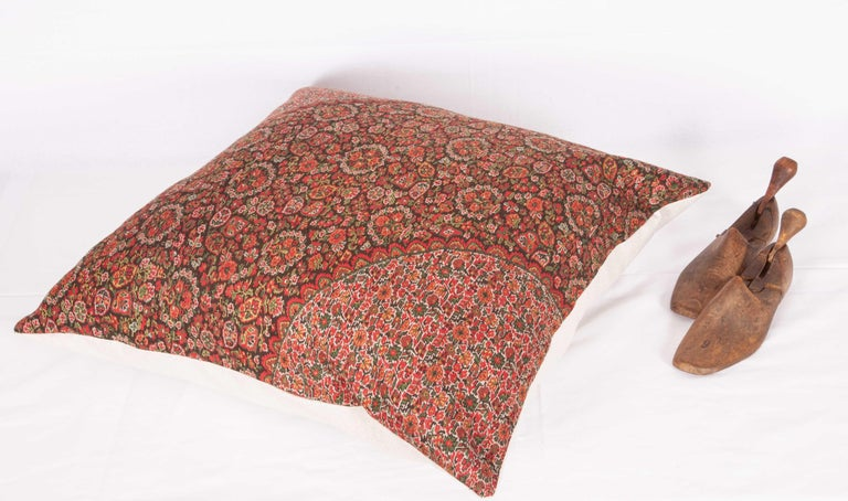 19th Century European Paisley Wool Pillow In Good Condition For Sale In Istanbul, TR