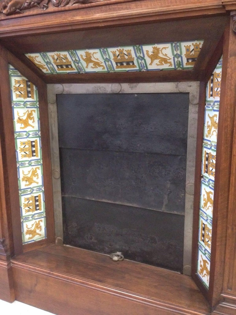 19th Century Fireplace Chimney in Walnut and Ceramic Finish In Good Condition For Sale In Miami, FL