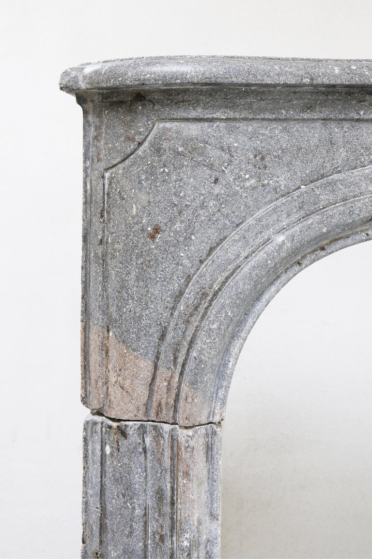 19th Century Fireplace of French Marble Stone in Style of Louis XV For Sale 2