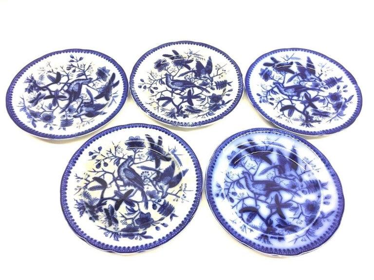 19th Century Flow Blue V&B Villeroy Boch Lot of 5 Plates Pheasant Series Decor In Good Condition For Sale In Nürnberg, DE