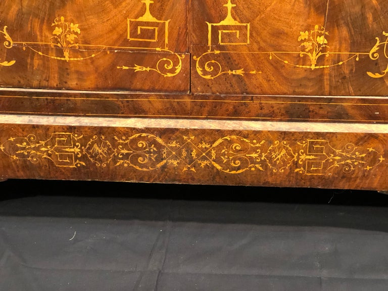 19th Century Charles X Mahogany France Secretaire Marble Top att.L.E. Lemarchand In Fair Condition For Sale In Roma, IT