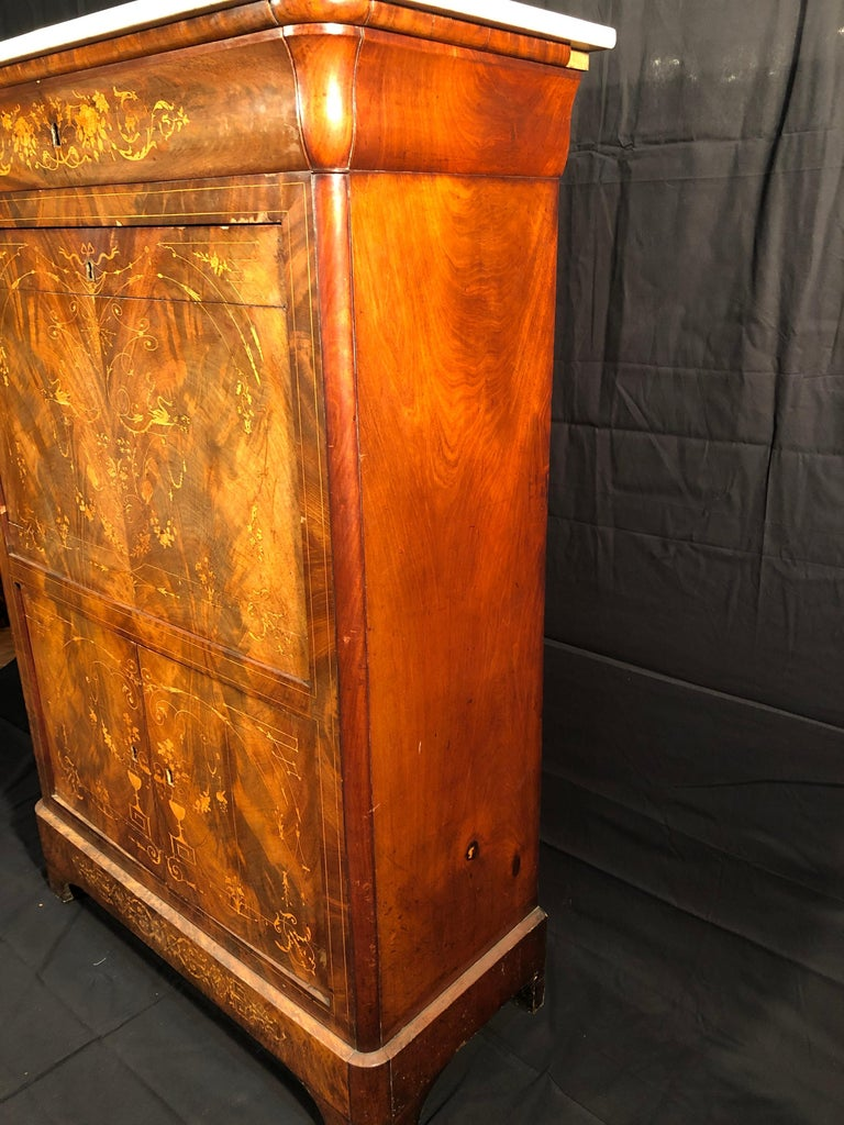 19th Century Charles X Mahogany France Secretaire Marble Top att.L.E. Lemarchand For Sale 1
