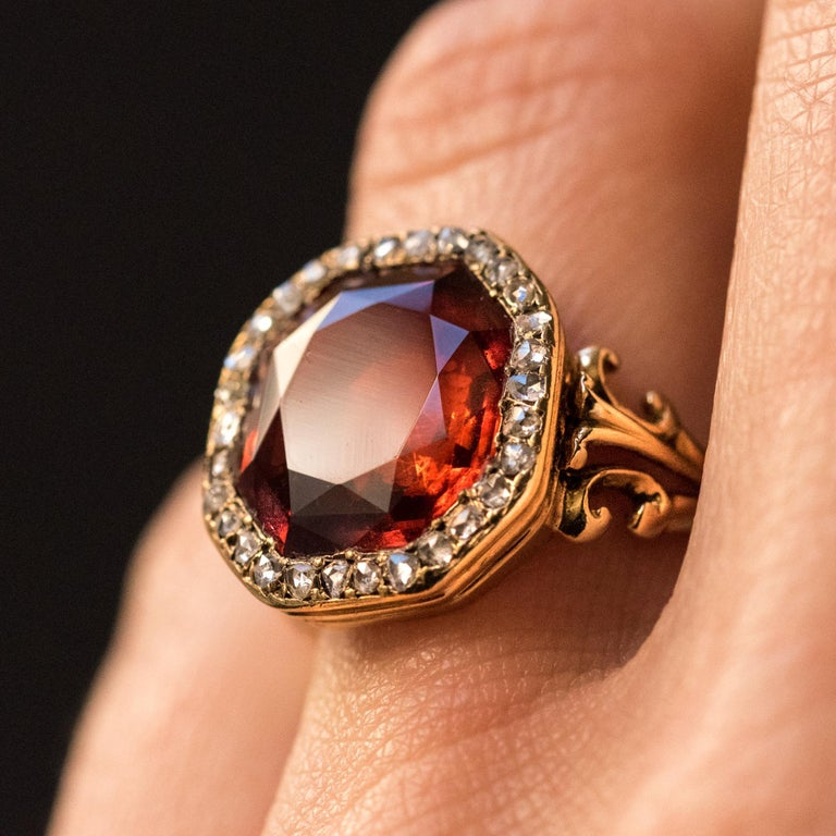 19th Century French 6.20 Carat Hessonite Garnet Rose Cut Diamonds Antique Ring In Good Condition For Sale In Poitiers, FR