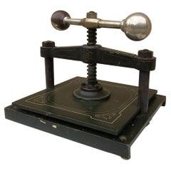 Art Nouveau More Desk Accessories
