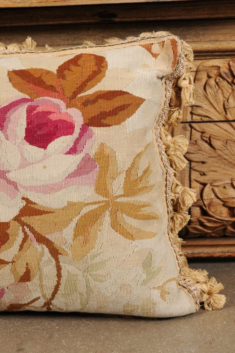 19th Century French Aubusson Woven Tapestry Pillow with Floral Décor and Tassels For Sale 7