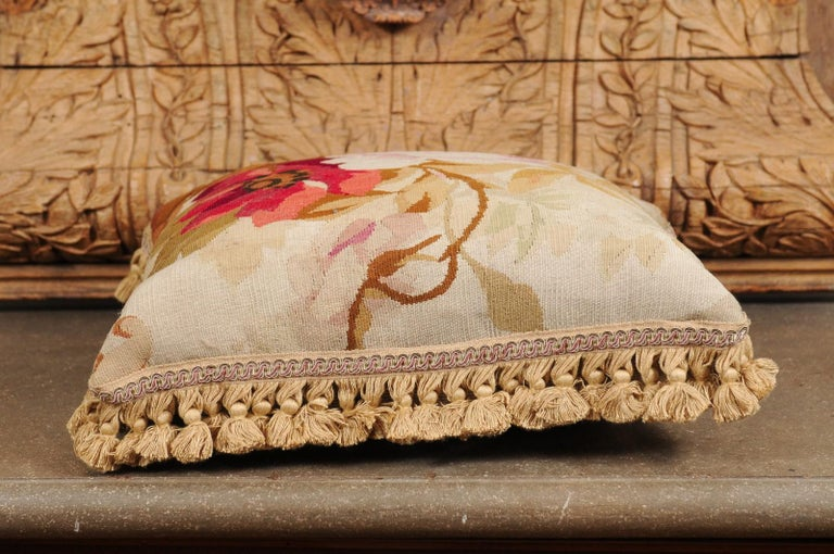 19th Century French Aubusson Woven Tapestry Pillow with Floral Décor and Tassels For Sale 8