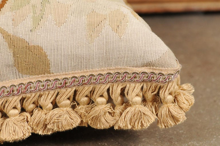 19th Century French Aubusson Woven Tapestry Pillow with Floral Décor and Tassels For Sale 9