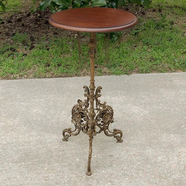 Hand-Crafted 19th Century French Belle Époque Cafe Table with Painted Cast Iron Base For Sale