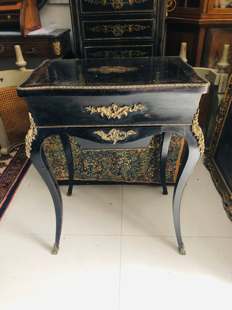 19th Century French Black Wooden Working Table with Brass Decoration For Sale 10