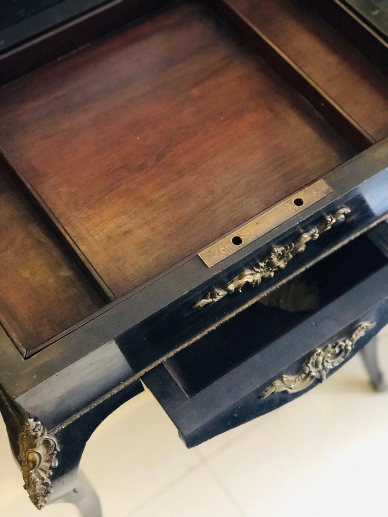19th Century French Black Wooden Working Table with Brass Decoration For Sale 2