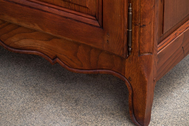 19th Century French Bleached Oak Buffet Cabinet For Sale 1