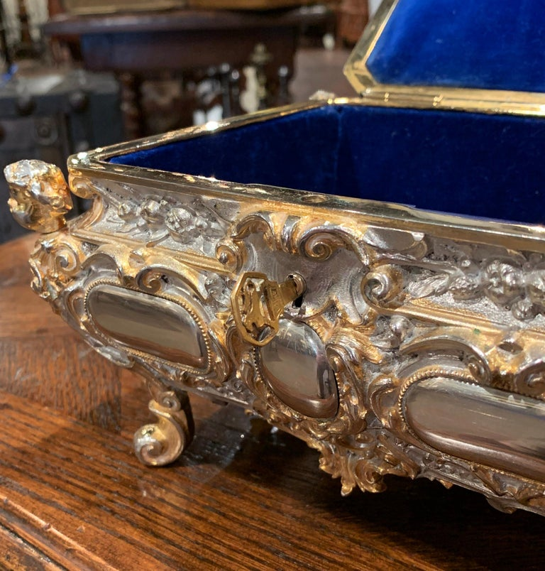19th Century French Bombe Silver on Copper Ornate Repousse Jewelry Casket For Sale 1