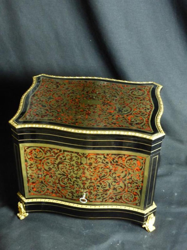 19th Century French Boulle Napoleon III Marquetry Liquor Cellar In Good Condition For Sale In LEGNY, FR