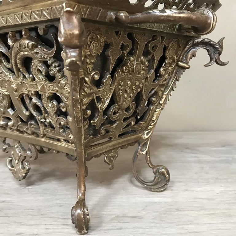 19th Century French Bronze Jardiniere For Sale 3