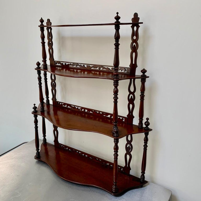 Very fine quality set of French late 19th century freestanding shelves made in solid mahogany.