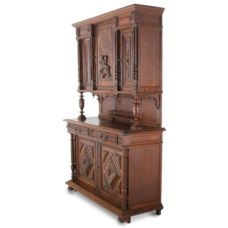 19th Century French Carved Oak Buffet Hutch In Good Condition For Sale In Vancouver, British Columbia