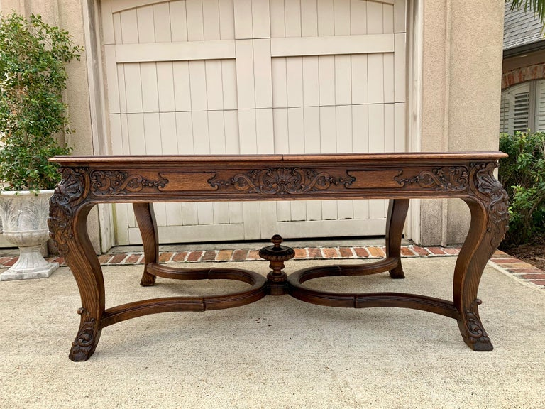 Hand-Carved 19th Century French Carved Oak Dining Table Louis XIV Baroque Style For Sale