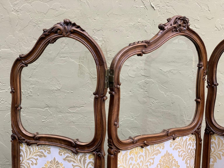 19th Century French Carved Walnut and Glass, Three-Fold Ulholstered Screen For Sale 6