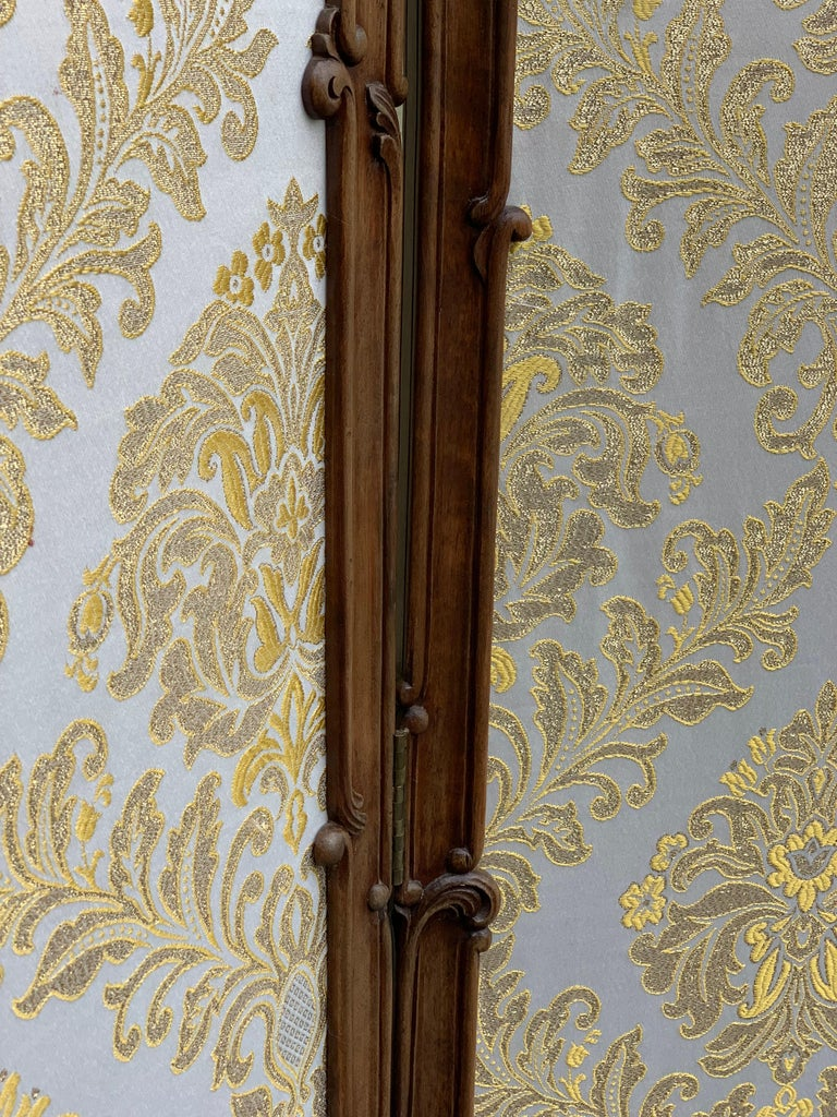 19th Century French Carved Walnut and Glass, Three-Fold Ulholstered Screen For Sale 12