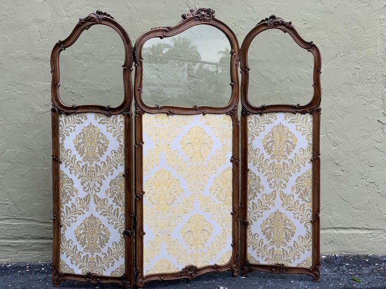 19th Century French Carved Walnut and Glass, Three-Fold Ulholstered Screen In Good Condition For Sale In Miami, FL