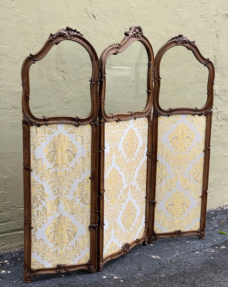 19th Century French Carved Walnut and Glass, Three-Fold Ulholstered Screen For Sale 1