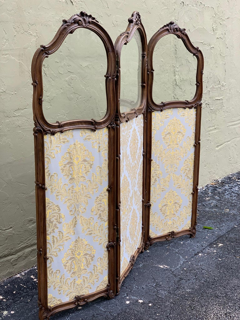 19th Century French Carved Walnut and Glass, Three-Fold Ulholstered Screen For Sale 4