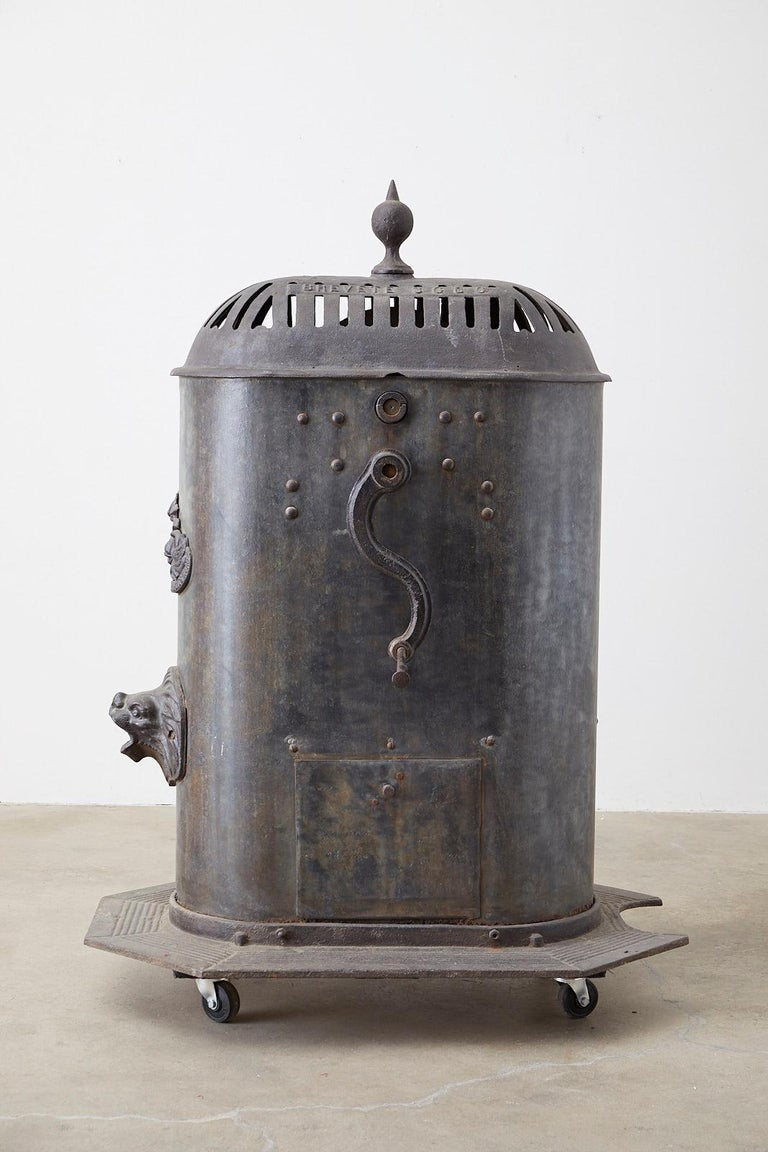 19th Century French Cast Iron Water Pump Fountain For Sale 7