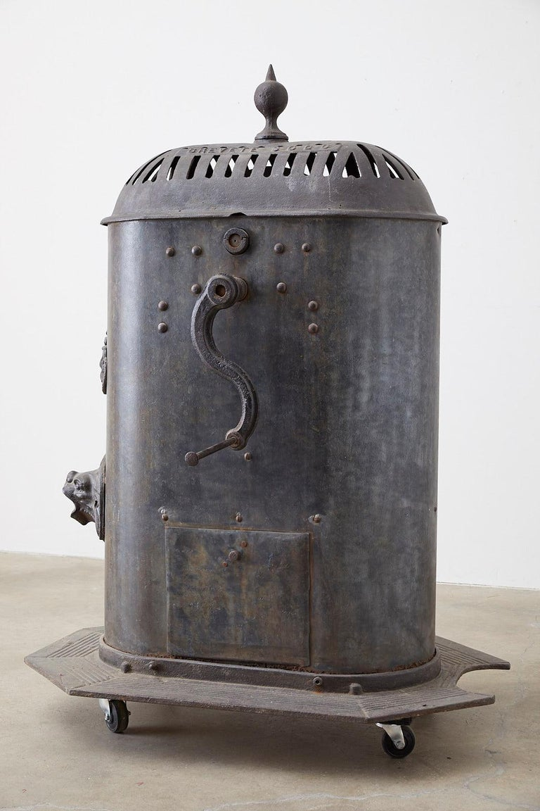 19th Century French Cast Iron Water Pump Fountain For Sale 10