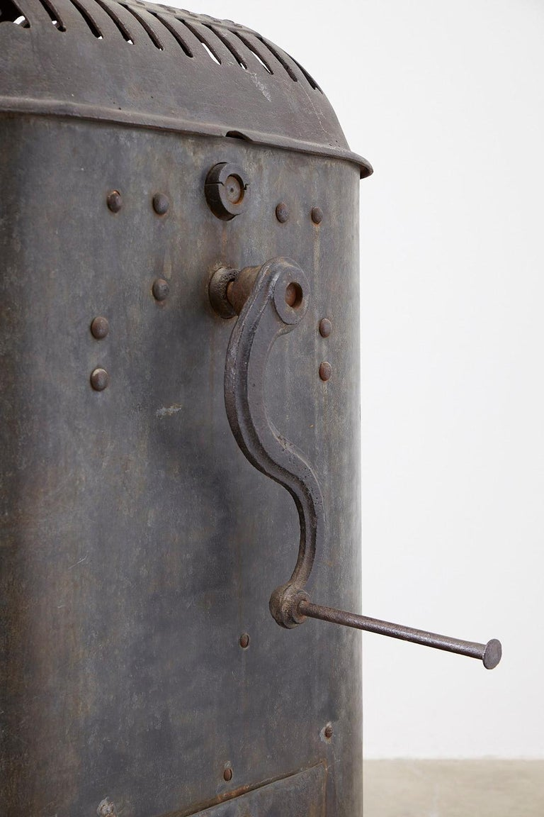 19th Century French Cast Iron Water Pump Fountain For Sale 2