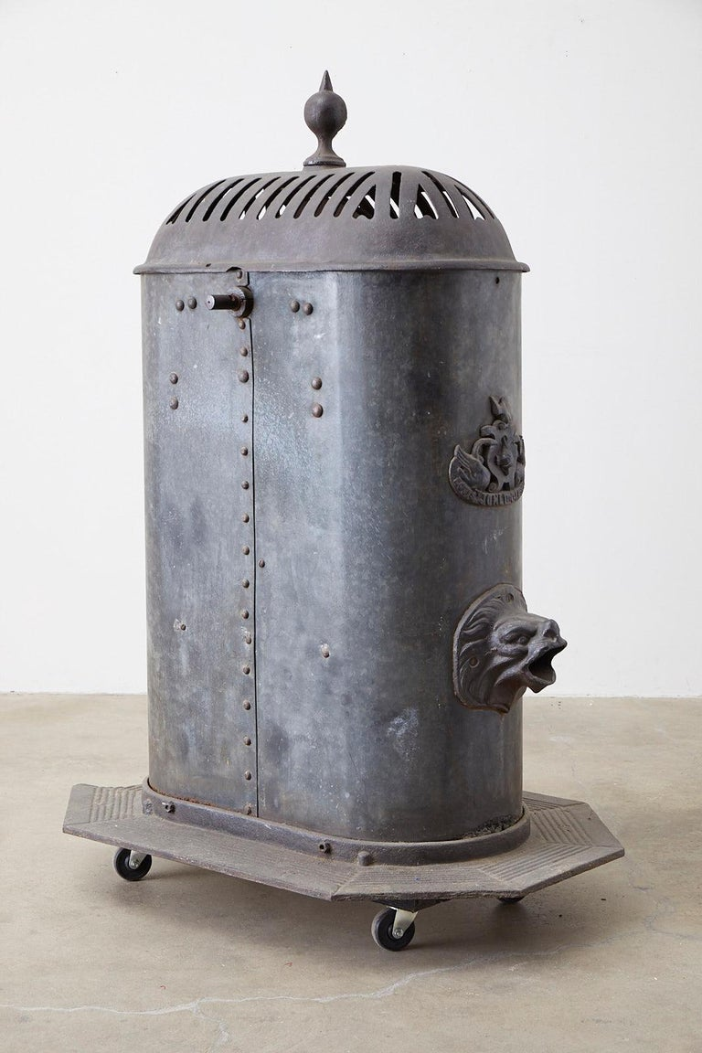 19th Century French Cast Iron Water Pump Fountain For Sale 3