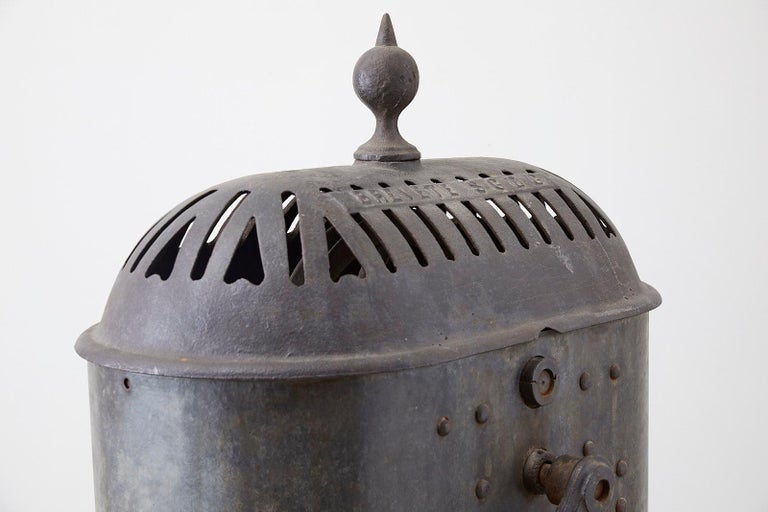 19th Century French Cast Iron Water Pump Fountain For Sale 4