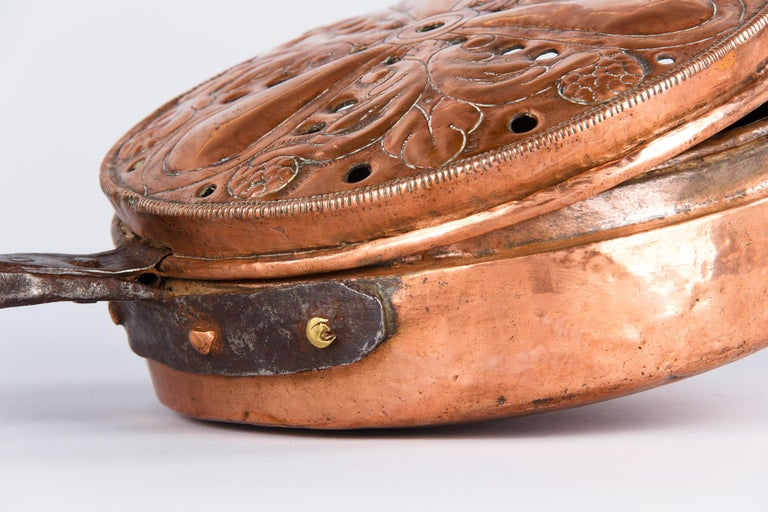 19th Century French Copper Bed Warmer For Sale 3