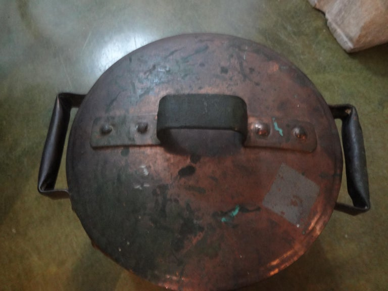 19th Century French Copper Pot with Lid In Good Condition For Sale In Houston, TX