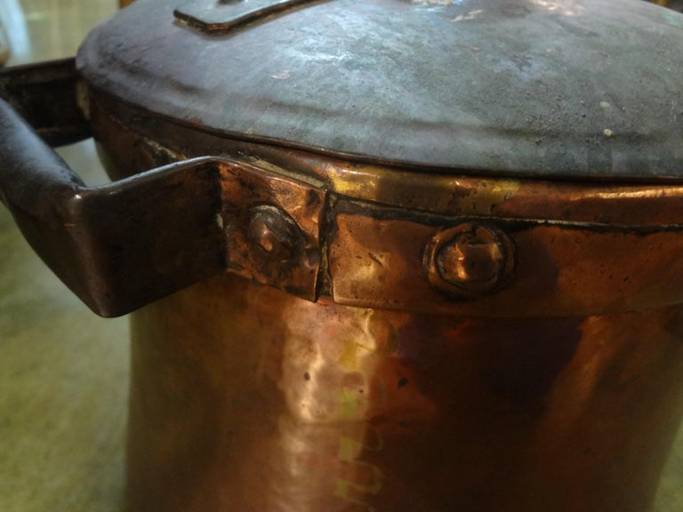 19th Century French Copper Pot with Lid For Sale 1