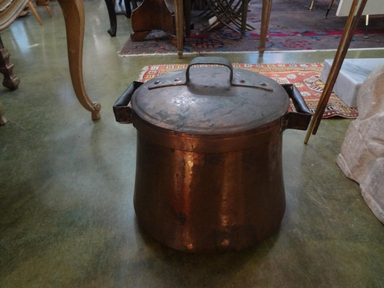 19th Century French Copper Pot with Lid For Sale 4