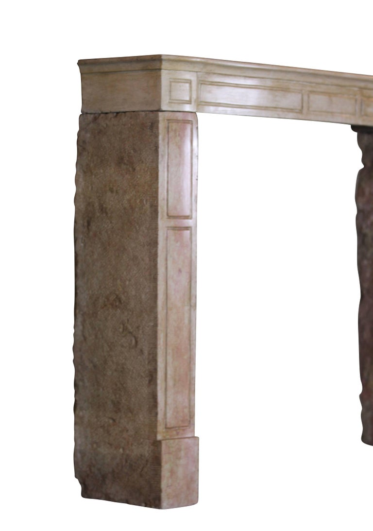 19th Century French Country Antique Fireplace Surround in Bicolor Lime Stone In Good Condition For Sale In Beervelde, BE